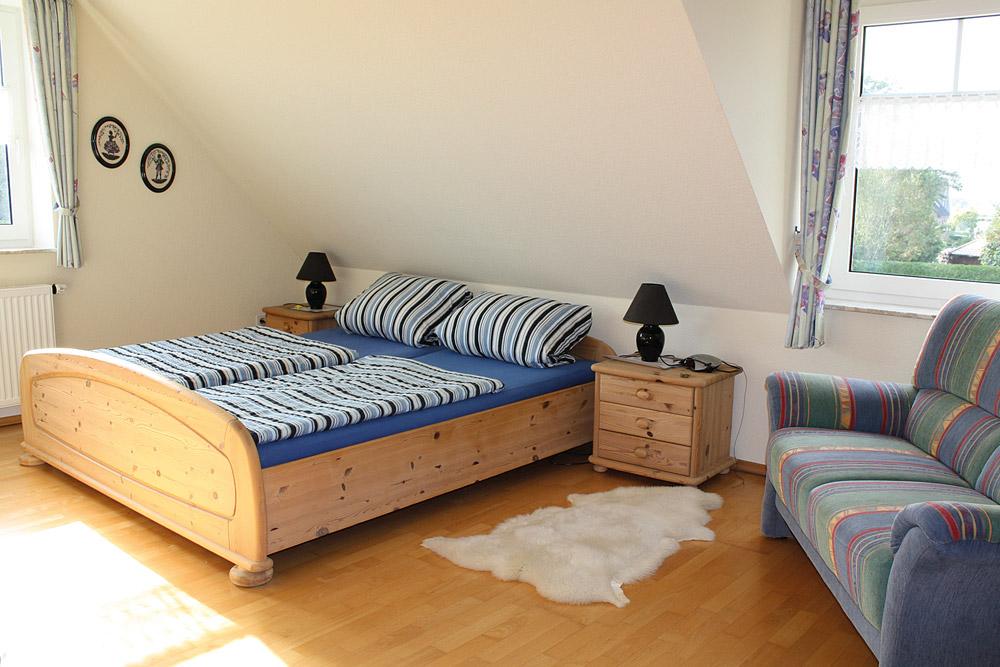 Schlafzimmer-Ferienhaus-Steiner